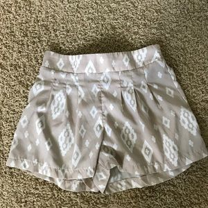 Pants - Tan and white dress shorts